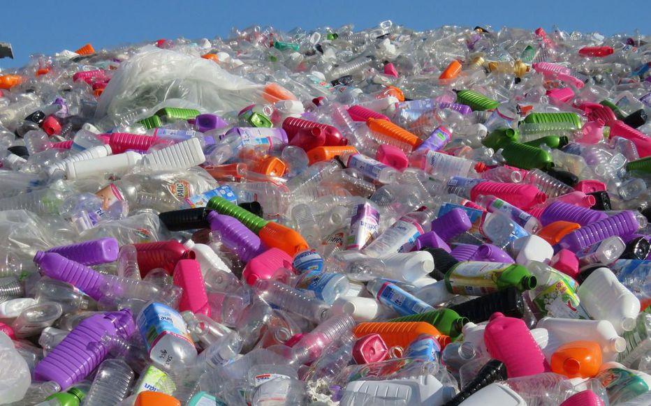 Pollution – Les bouteilles en plastique, un fléau mondial