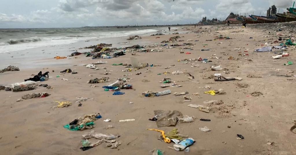 Bargny – Ville dépotoir, plage poubelle