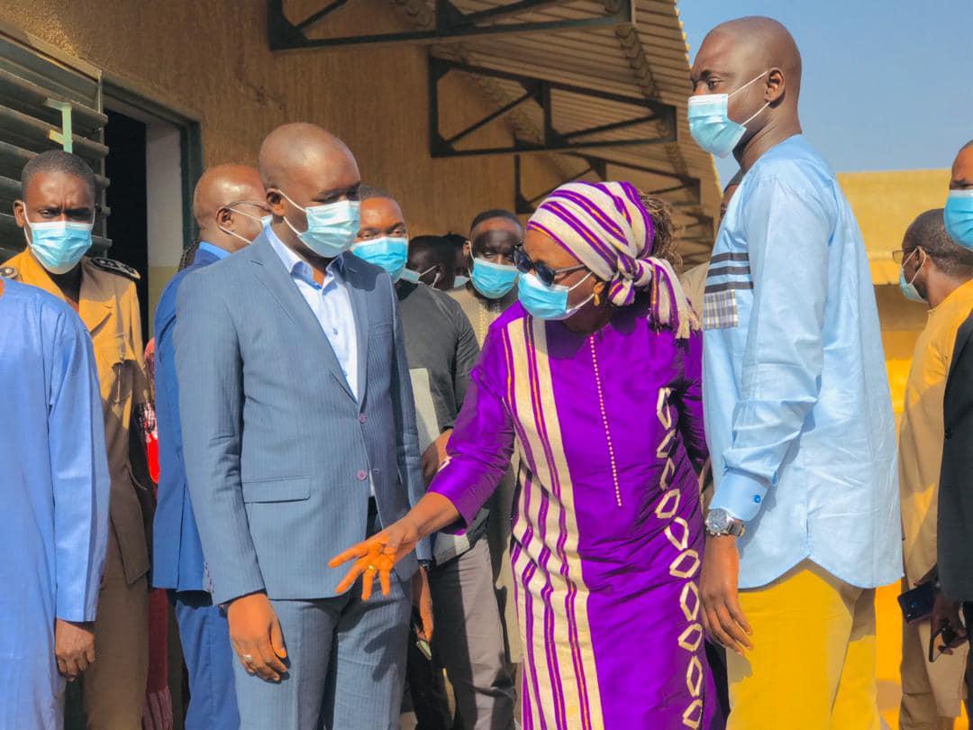 Les équipes techniques des MEDD, de l'EN et du CV au chevet  de l'Ecole Mbao Gare 2
