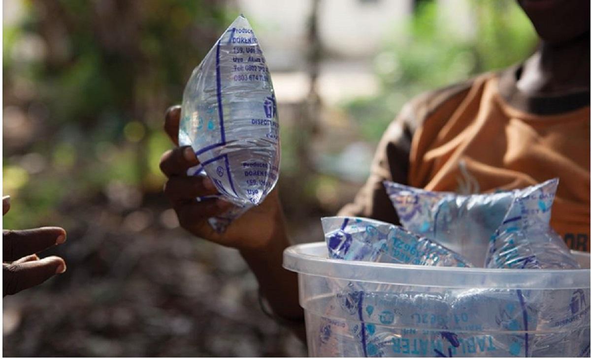 Loi sur le plastique: Menace sur le secteur de vente d'eau en sachets