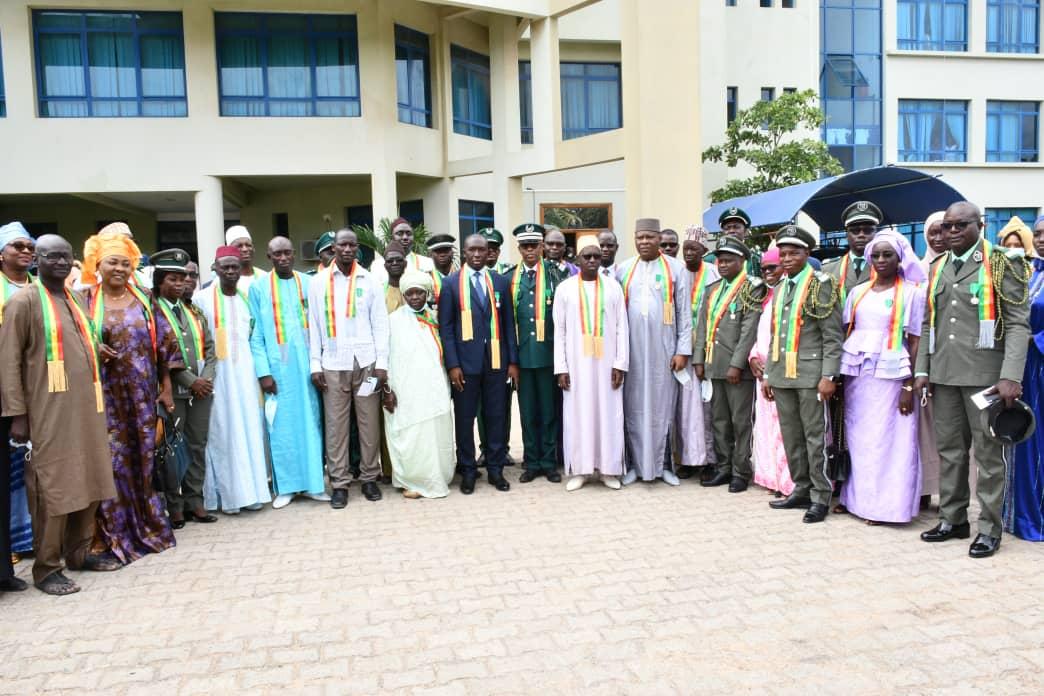 Décoration aux différents ordres nationaux: 35 agents du MEDD honorés